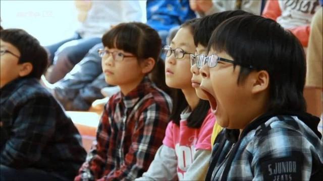 Đằng sau một Hàn Quốc phát triển là sự kỳ vọng của xã hội giết chết ước mơ của con người, tỷ lệ tự tử cao bậc nhất thế giới - Ảnh 2.