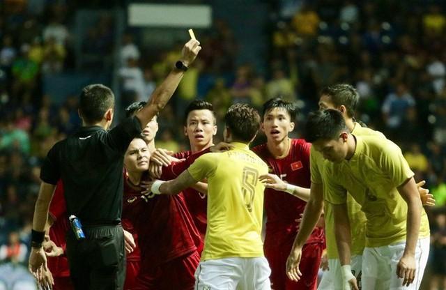 Đoàn văn hậu - photo 1 15674785027171301400764 - Văn Hậu sang Hà Lan và sự trỗi dậy của bóng đá Việt Nam trước Thái Lan