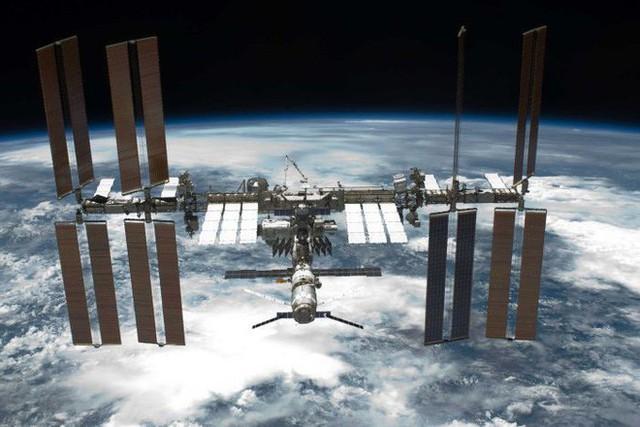 Các nhà khoa học sắp đưa tế bào ung thư lên trạm vũ trụ ISS để tiêu diệt - Ảnh 2.