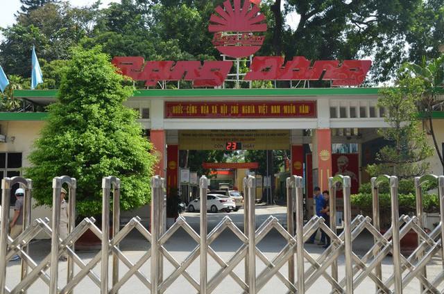 Dân kéo ra Công ty Rạng Đông đòi đối thoại sau thông tin 15,1 - 27,2kg thủy ngân đã phát tán ra môi trường - Ảnh 8.