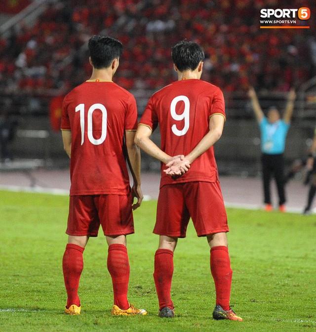 Cầu thủ Việt Nam vô danh trên sân và đây là lý do nghe vô lý nhưng lại rất thuyết phục - Ảnh 2.