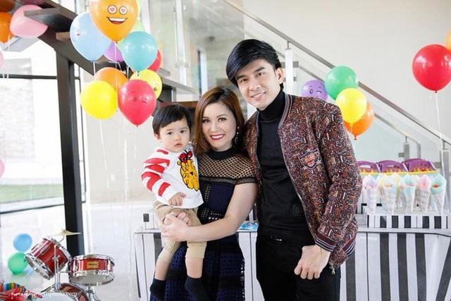 Con trai 2 tuổi của Đan Trường kiếm hơn 20 triệu một tháng gây 'choáng' - Ảnh 1.