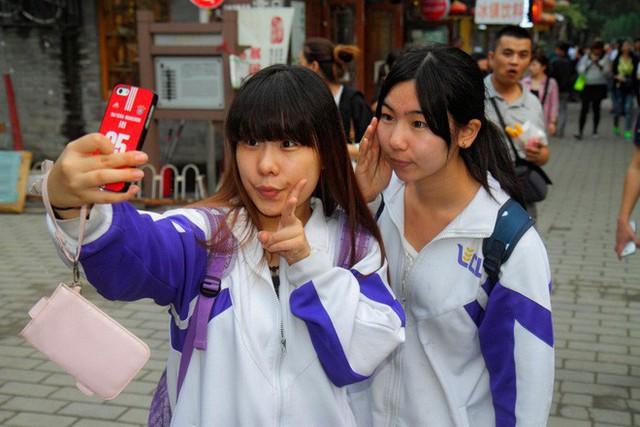 Thay vì bỏ nút Like hay thả tim, Facebook và YouTube nên cắp sách sang Trung Quốc để học tính năng này trên WeChat và Weibo - Ảnh 2.