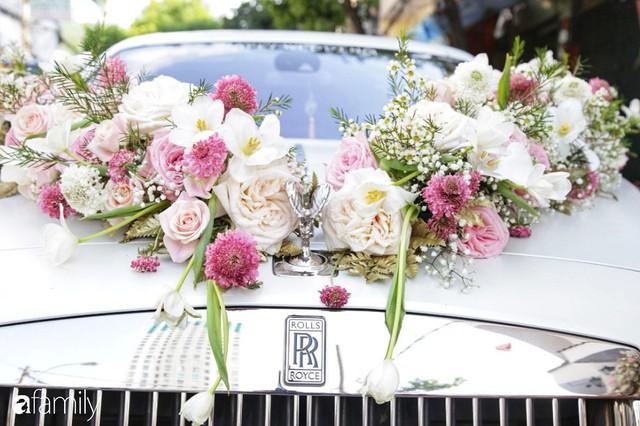 ĐỘC QUYỀN: Toàn cảnh lễ đưa dâu bằng dàn siêu xe hơn 100 tỷ của con gái đại gia Minh Nhựa, quà cưới toàn vàng, kim cương đeo đỏ tay - Ảnh 2.