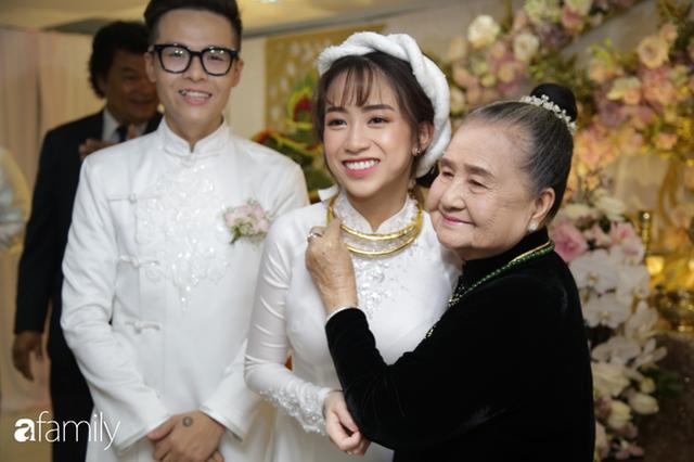 ĐỘC QUYỀN: Toàn cảnh lễ đưa dâu bằng dàn siêu xe hơn 100 tỷ của con gái đại gia Minh Nhựa, quà cưới toàn vàng, kim cương đeo đỏ tay - Ảnh 14.