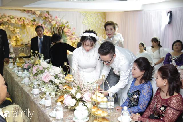 ĐỘC QUYỀN: Toàn cảnh lễ đưa dâu bằng dàn siêu xe hơn 100 tỷ của con gái đại gia Minh Nhựa, quà cưới toàn vàng, kim cương đeo đỏ tay - Ảnh 18.
