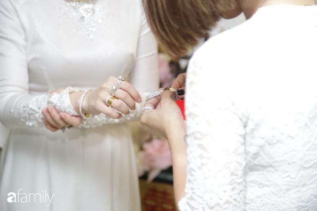 ĐỘC QUYỀN: Toàn cảnh lễ đưa dâu bằng dàn siêu xe hơn 100 tỷ của con gái đại gia Minh Nhựa, quà cưới toàn vàng, kim cương đeo đỏ tay - Ảnh 20.