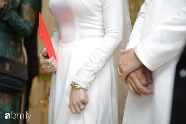 ĐỘC QUYỀN: Toàn cảnh lễ đưa dâu bằng dàn siêu xe hơn 100 tỷ của con gái đại gia Minh Nhựa, quà cưới toàn vàng, kim cương đeo đỏ tay - Ảnh 25.