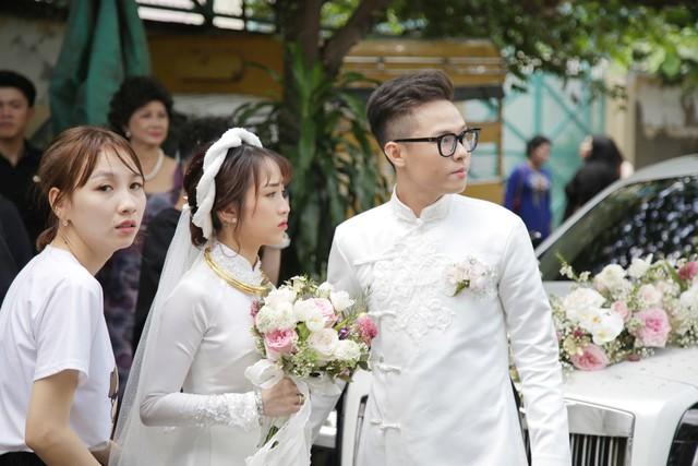ĐỘC QUYỀN: Toàn cảnh lễ đưa dâu bằng dàn siêu xe hơn 100 tỷ của con gái đại gia Minh Nhựa, quà cưới toàn vàng, kim cương đeo đỏ tay - Ảnh 29.
