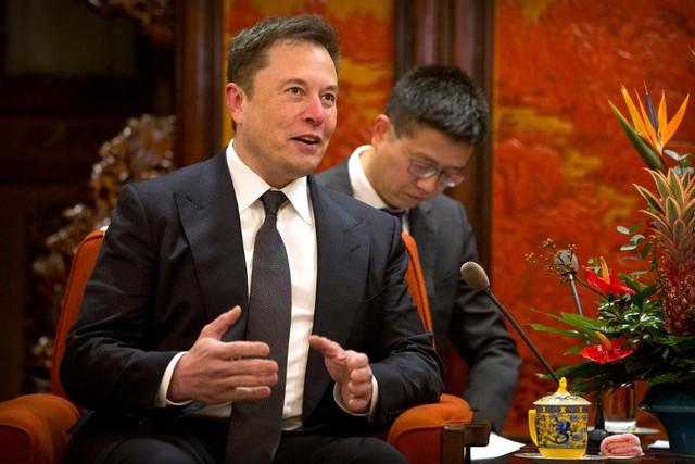 jeff bezos, elon musk - 4 1568016863549782469562 - Lãnh đạo kiểu Jeff Bezos hay Elon Musk?