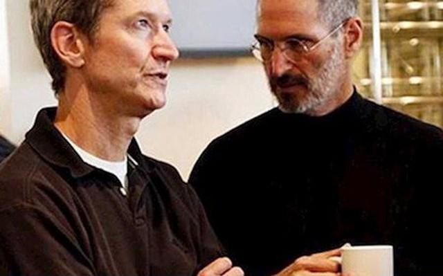Tim Cook tuong nho 8 nam ngay mat Steve Jobs