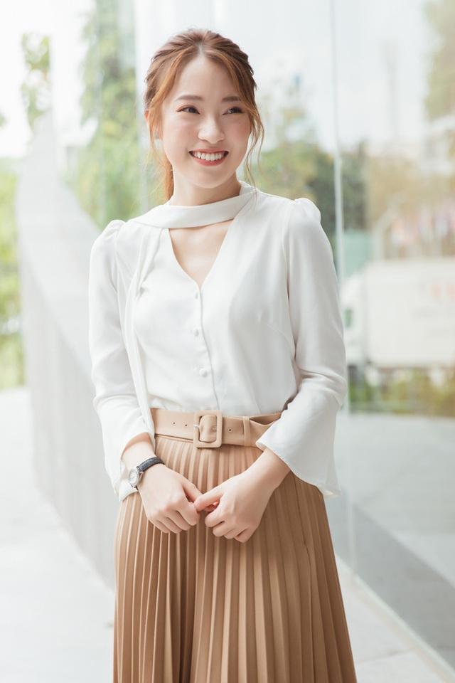 Hotgirl Khánh Vy chia sẻ 50 điều làm được ở tuổi 20: Mua xe, mua đất cho bố mẹ, 7 thứ tiếng, kênh Youtube... - Ảnh 7.