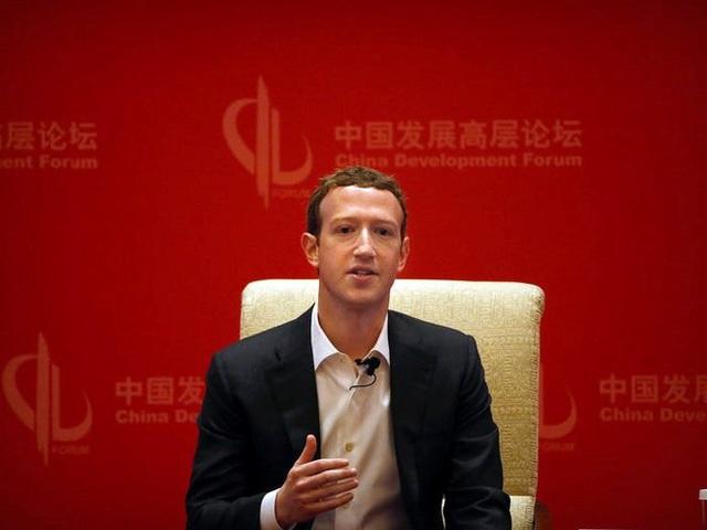 Nhìn lại thử thách 10 năm của Mark Zuckerberg: từ đeo cà vạt mỗi ngày, chỉ ăn thịt con vật mình giết được tới giải cứu Facebook - Ảnh 2.