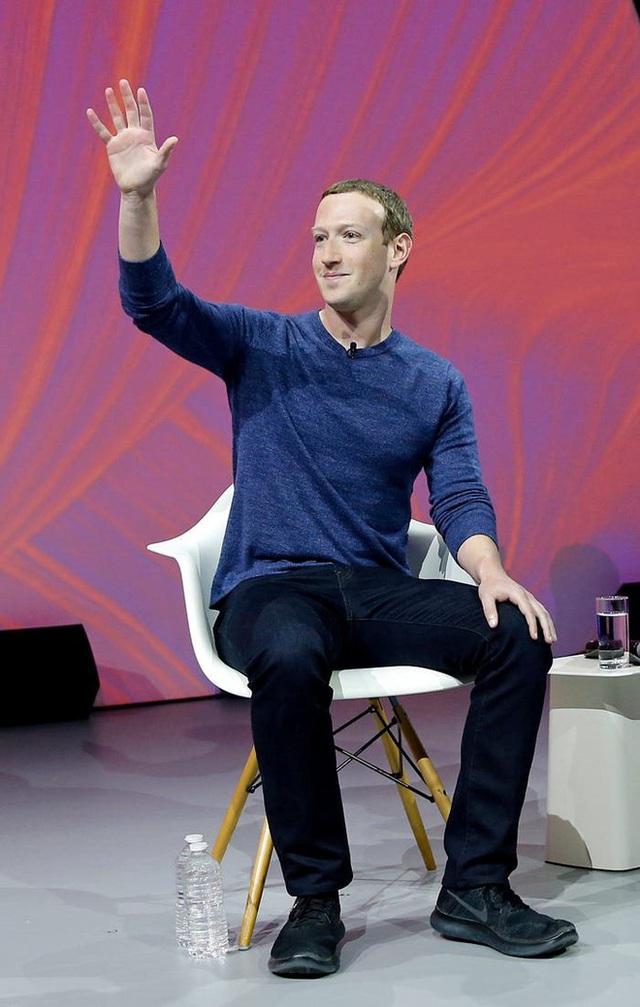 Nhìn lại thử thách 10 năm của Mark Zuckerberg: từ đeo cà vạt mỗi ngày, chỉ ăn thịt con vật mình giết được tới giải cứu Facebook - Ảnh 5.