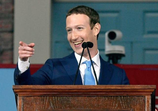 Nhìn lại thử thách 10 năm của Mark Zuckerberg: từ đeo cà vạt mỗi ngày, chỉ ăn thịt con vật mình giết được tới giải cứu Facebook - Ảnh 6.