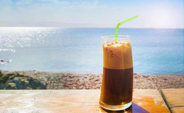 Cà phê chưa chuẩn vị, menu không phù hợp, giá lại trên trời: Những yếu tố khiến ông lớn Starbucks nhọc nhằn ở Việt Nam - Ảnh 1.