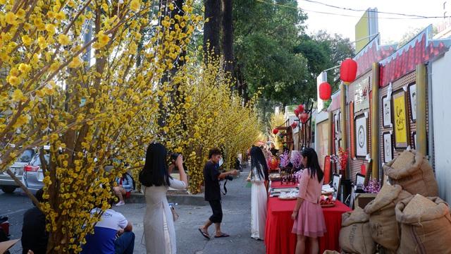 Ăn ngon – chụp đẹp tại những địa điểm đón Tết 'sớm nhất' Sài Thành - Ảnh 13.