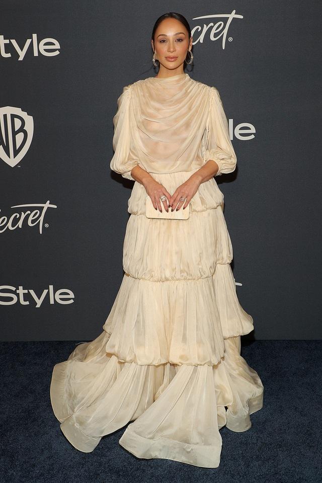 Mở đầu 2020 rạng rỡ: Trang phục do Công Trí thiết kế giúp Kristen Bell chiếm trọn spotlight khi nhận giải thưởng danh giá đầu tiên trong sự nghiệp - Ảnh 5.