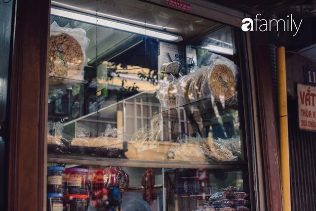 Quốc Hương - tiệm giò chả cứ đến Tết là người Hà Nội xếp hàng dài mua đồ và chuyện thách cưới giờ mới kể của bà chủ nức tiếng đẹp người đẹp nết - Ảnh 16.