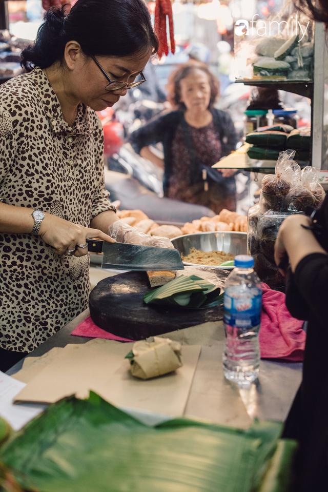 Quốc Hương - tiệm giò chả cứ đến Tết là người Hà Nội xếp hàng dài mua đồ và chuyện thách cưới giờ mới kể của bà chủ nức tiếng đẹp người đẹp nết - Ảnh 17.