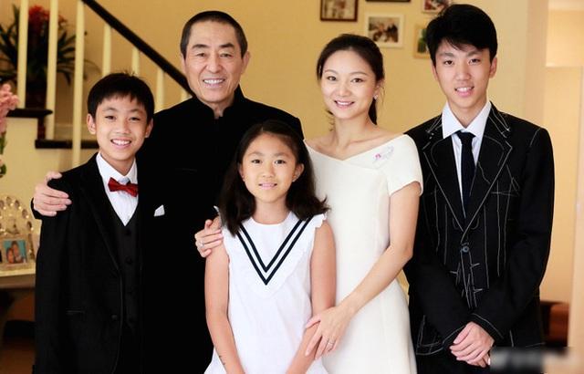 Trương Nghệ Mưu: Bỏ vợ khi thành danh, kết hôn với học trò kém 31 tuổi - Ảnh 7.