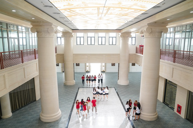 Cận cảnh Đại học tinh hoa VinUni: Đại học tư thục phi lợi nhuận đầu tiên của Việt Nam, vốn đầu tư lên tới 6.500 tỷ đồng, không gian đẹp không kém các trường châu Âu - Ảnh 1.