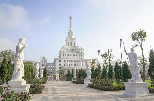 Cận cảnh Đại học tinh hoa VinUni: Đại học tư thục phi lợi nhuận đầu tiên của Việt Nam, vốn đầu tư lên tới 6.500 tỷ đồng, không gian đẹp không kém các trường châu Âu - Ảnh 2.