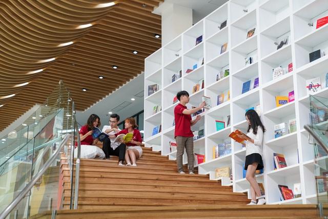 Cận cảnh Đại học tinh hoa VinUni: Đại học tư thục phi lợi nhuận đầu tiên của Việt Nam, vốn đầu tư lên tới 6.500 tỷ đồng, không gian đẹp không kém các trường châu Âu - Ảnh 5.