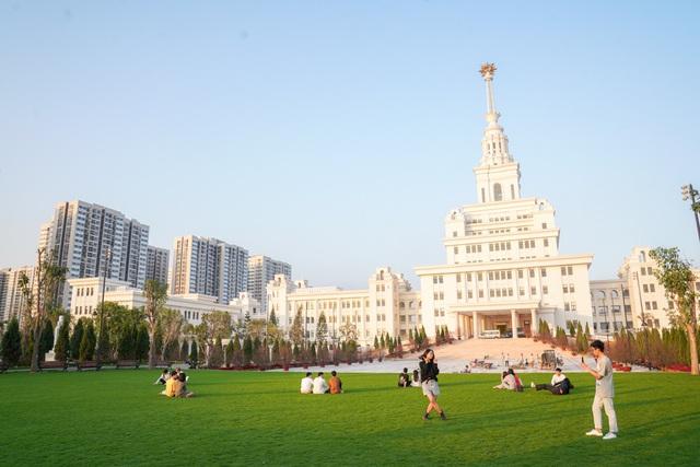 Cận cảnh Đại học tinh hoa VinUni: Đại học tư thục phi lợi nhuận đầu tiên của Việt Nam, vốn đầu tư lên tới 6.500 tỷ đồng, không gian đẹp không kém các trường châu Âu - Ảnh 8.