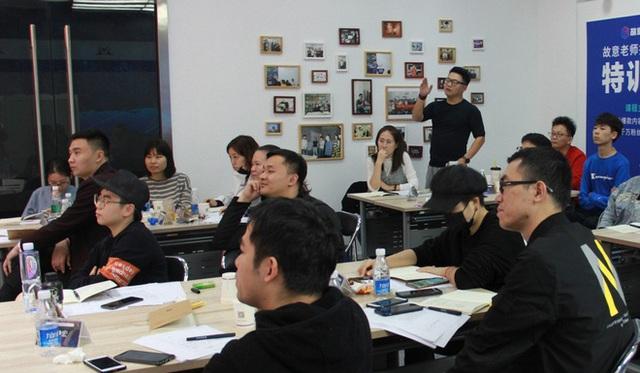Thâm nhập lò dạy làm giàu bằng TikTok tại Trung Quốc - Ảnh 2.