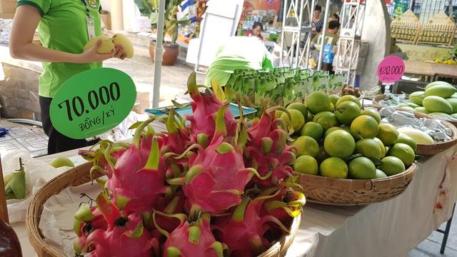 Ở Sài Gòn sắm đặc sản Bắc - Trung - Nam ăn Tết với giá chợ - Ảnh 14.