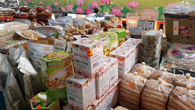 Ở Sài Gòn sắm đặc sản Bắc - Trung - Nam ăn Tết với giá chợ - Ảnh 15.
