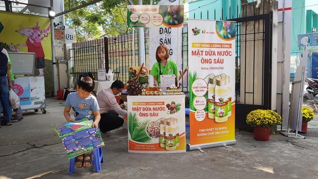 Ở Sài Gòn sắm đặc sản Bắc - Trung - Nam ăn Tết với giá chợ - Ảnh 16.