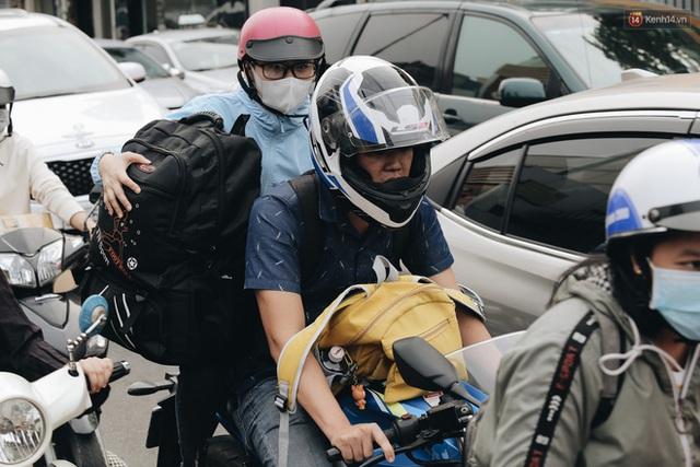 Chùm ảnh Flycam người dân ùn ùn đổ về quê ăn Tết, các ngả đường về bến xe lớn nhất Sài Gòn ùn tắc kinh hoàng - Ảnh 9.