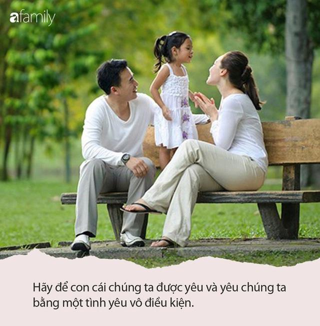 """""""Nếu yêu bố mẹ thì con phải làm cái này"""": Khi người lớn gieo vào đầu trẻ ý nghĩ tình yêu luôn đi kèm điều kiện, nhà chưa chắc là tổ ấm - Ảnh 2."""