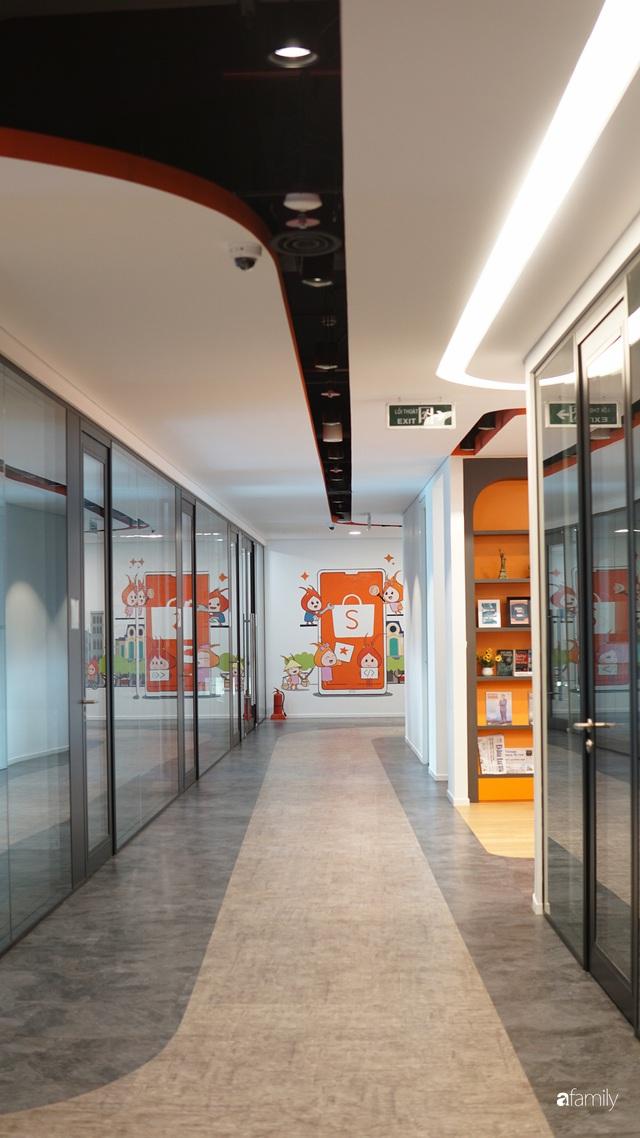 3 văn phòng đẹp và hiện đại bậc nhất Việt Nam, số 2 có cả tiệm cà phê, phòng gym, nhà giữ trẻ bên trong - Ảnh 8.