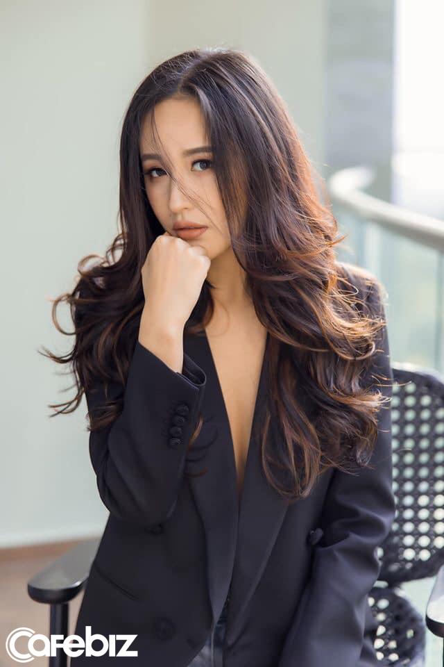 Hoa hậu Mai Phương Thúy: Chuyện lập gia đình hay đầu tư là công việc cả đời, chẳng có gì phải vội! - Ảnh 2.
