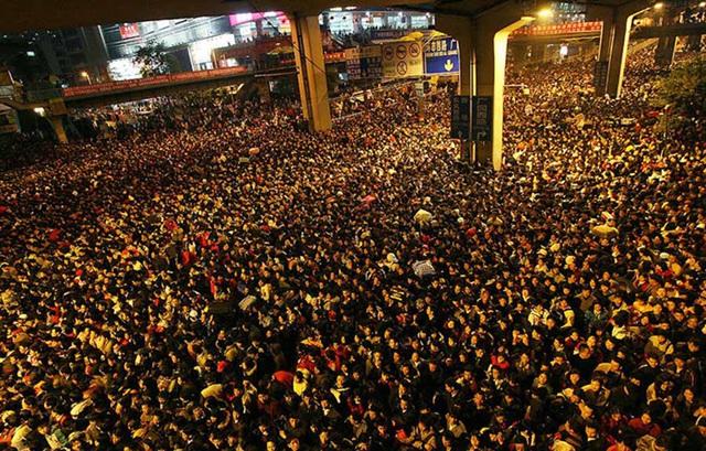 Tại sao hàng triệu bạn trẻ Trung Quốc không muốn về quê ăn Tết? - Ảnh 3.