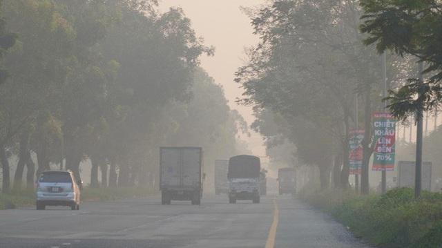 Thủ phạm gây ô nhiễm không khí, trắng đục bầu trời tại TP HCM - Ảnh 2.