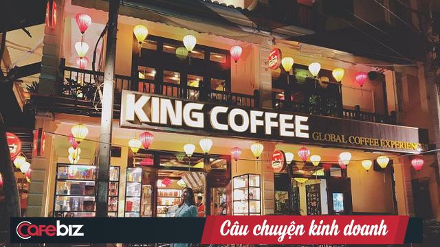 Hậu ly hôn, bà Lê Hoàng Diệp Thảo dốc sức làm thương hiệu cho King Coffee: Sát cánh cùng các cầu thủ, hỗ trợ VĐV nữ vay vốn kinh doanh nhượng quyền, thậm chí vào công ty làm để ổn định kinh tế - Ảnh 3.