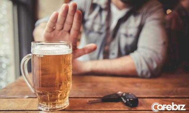 8 tiểu xảo từ chối rượu bia không gây mất lòng ngày Tết - Ảnh 1.