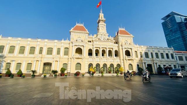 Đường phố Sài Gòn thông thoáng ngày đầu nghỉ Tết Nguyên đán 2020 - Ảnh 1.
