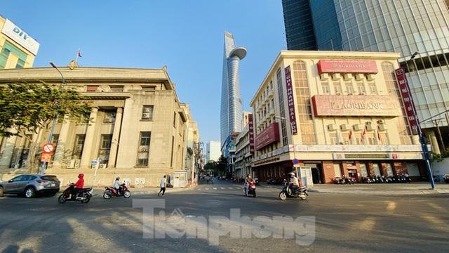 Đường phố Sài Gòn thông thoáng ngày đầu nghỉ Tết Nguyên đán 2020 - Ảnh 13.