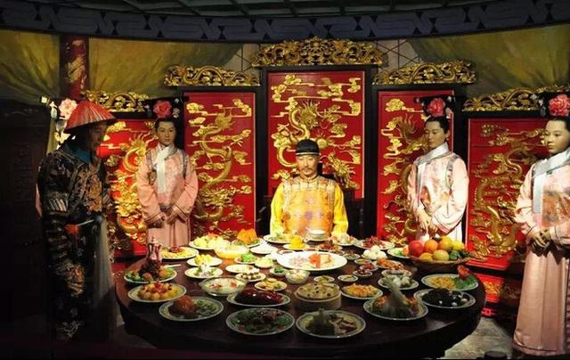 Hoàng đế nhà Thanh rốt cục ăn gì mà mỗi năm tốn gần 15.000 lượng bạc cho chuyện ăn uống? - Ảnh 3.