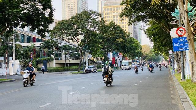 Đường phố Sài Gòn thông thoáng ngày đầu nghỉ Tết Nguyên đán 2020 - Ảnh 21.