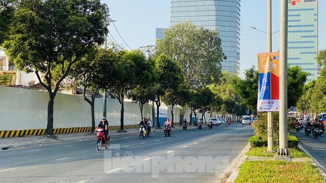 Đường phố Sài Gòn thông thoáng ngày đầu nghỉ Tết Nguyên đán 2020 - Ảnh 22.