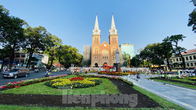 Đường phố Sài Gòn thông thoáng ngày đầu nghỉ Tết Nguyên đán 2020 - Ảnh 8.
