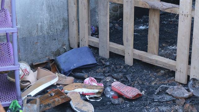 NÓNG: Bắt giữ nghi phạm phóng hỏa đốt nhà khiến 5 mẹ con tử vong ở Sài Gòn sáng 27 Tết - Ảnh 4.