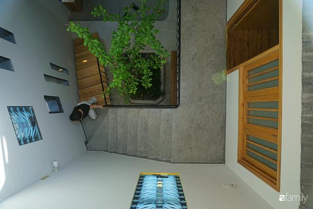 Ngôi nhà đẹp mộng mơ với cây xanh và ánh sáng của chủ nhà say đắm cúc họa mi ở miền Trung - Ảnh 13.