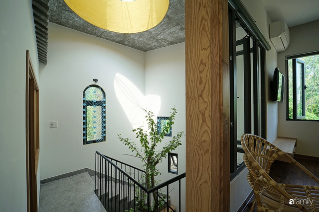Ngôi nhà đẹp mộng mơ với cây xanh và ánh sáng của chủ nhà say đắm cúc họa mi ở miền Trung - Ảnh 14.